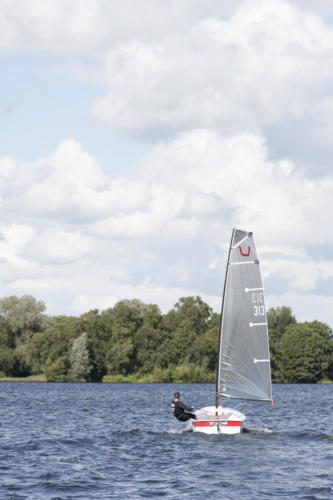 Bucket sailing